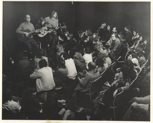 Performers at the pump house singing to an audience | Neville Marshall donation to Watford Museum