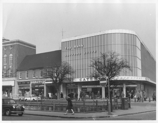 A street view of 'Top Rank' on The Parade, Watford. The edge of the Pond is also visible. | Watford Museum.