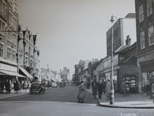 View of Watford High Street 1949. Clements on the left and Elliotts Record Store on the right.  | Bob Nunn