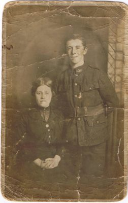 Joey Allwood with his fiancée Annie Simmonds during WW1
