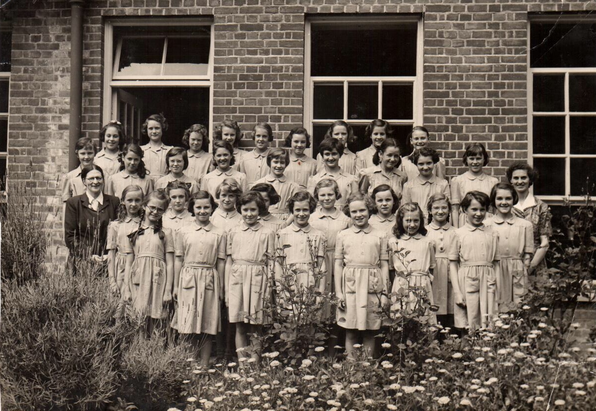 Class photo Session 1, 1948